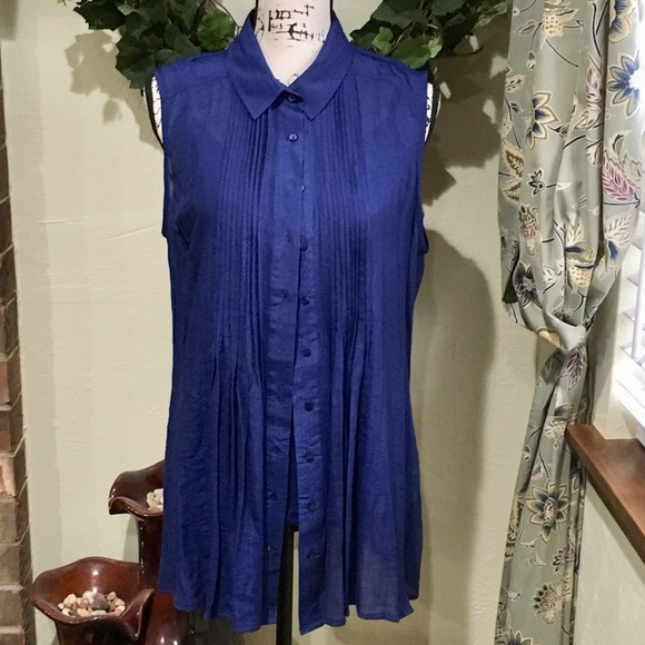 Fever Tops - EUC FEVER Pretty Camisole & Matching Blouse Combo